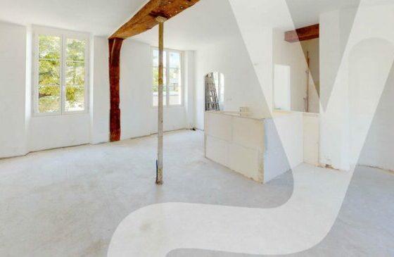 Bagnolet Centre – Plateau De 53 m² À Aménager
